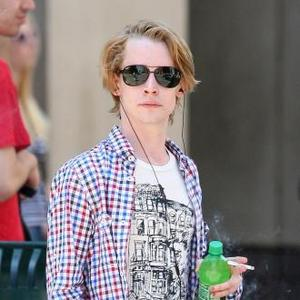 Macaulay Culkin's Father Concerned About His Health