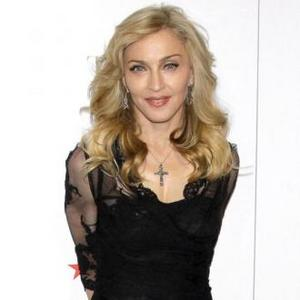 Madonna Has Entourage Of 200