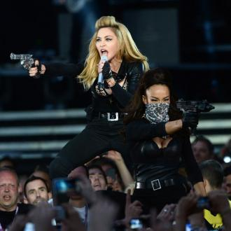 Madonna Fans Walk Out Over Fake Gun