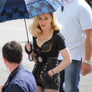 Madonna Has Dna Cleaning Team For Tour