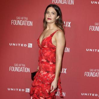 Mandy Moore won't wear white wedding dress