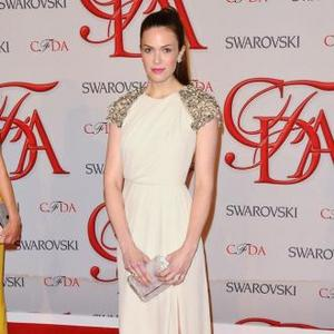Mandy Moore Loved Her Custom-made Cfda Dress