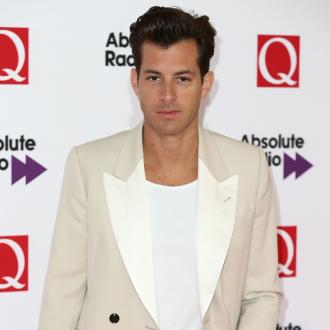 Mark Ronson 'is dating Samantha Urbani'