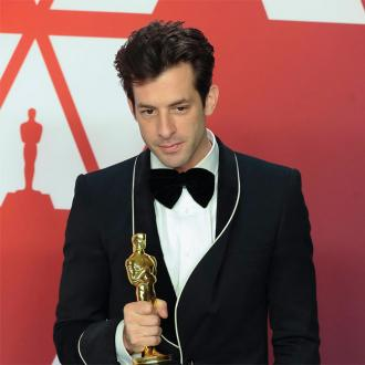 Mark Ronson splits from girlfriend