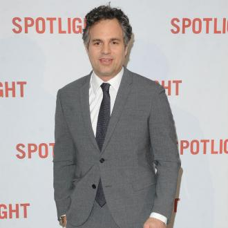 Mark Ruffalo praises female co-stars in Thor: Ragnarok