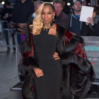 Mary J Blige Loves 'Unapologetic' Rihanna