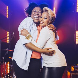 Mary J Blige surprises superfan