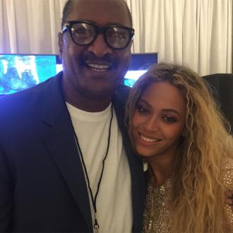 Beyonce's father claims she is only successful because of her light skin