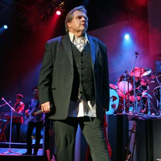 Meat Loaf cries on stage as he thanks fans