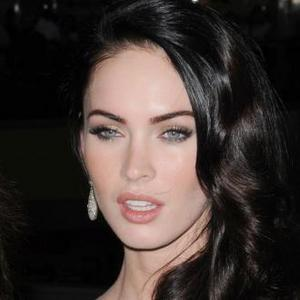 Megan Fox Ends Interview With Steve Jones