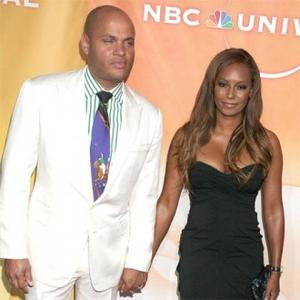 Mel B Annoyed By Husband