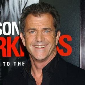 Hypnotist Mel Gibson