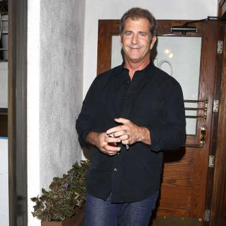 Mel Gibson 'kisses the ground'' Jodie Foster walks on