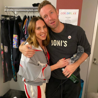 Melanie C joins Chris Martin on stage for acoustic rendition of 2 Become 1