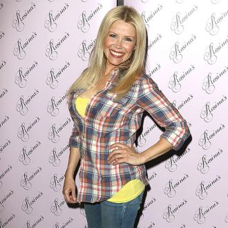 Melinda Messenger to be a psychotherapist
