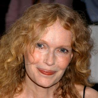 Sinatra's Widow Slams Mia Farrow Paternity Claims