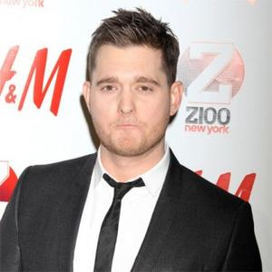 Michael Buble Mocks Kim Kardashian On Stage