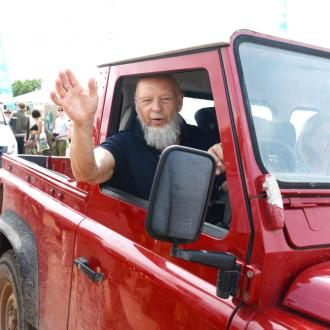 Michael Eavis opens Glastonbury-on-Sea pier