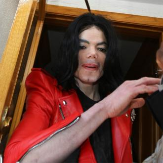 Michael Jackson Estate Sue Over Auction