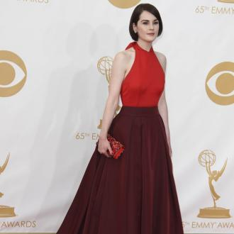 Michelle Dockery Pretends She's Whitney Houston