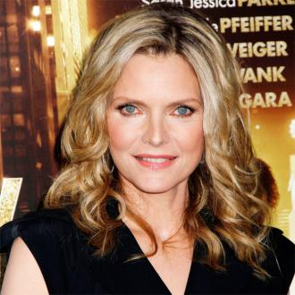 Michelle Pfeiffer: De Niro Is A Great Influence