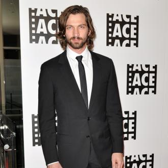 Michiel Huisman took 'months' to master corralling pigs