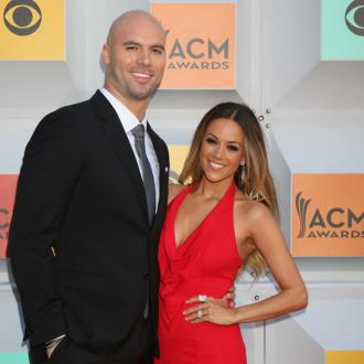 Jana Kramer apologises to husband for cheating joke