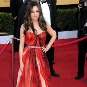 Mila Kunis Defends Natalie Portman