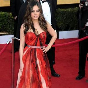 Mila Kunis: No One Ever Asks Me Out