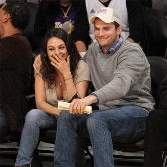 Ashton Kutcher and Mila Kunis had no strings attached agreement
