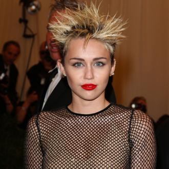 Miley Cyrus' Wig Fear
