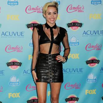 Miley Cyrus Sells Old Camera On Ebay
