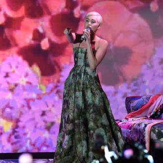 Miley Cyrus Wins Two World Music Awards