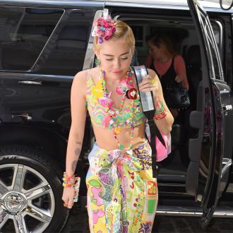 Miley Cyrus' boyfriend hates dirty house