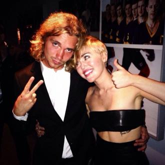 Miley Cyrus' Homeless Pal Turns Himself Into Police