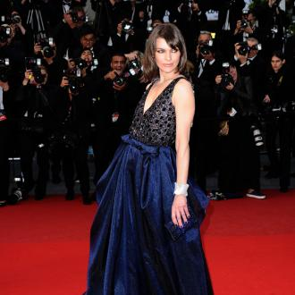 Milla Jovovich Expecting A Girl