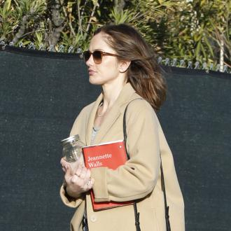Minka Kelly Has Cooking Parties