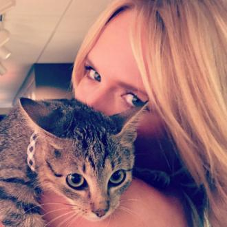 Miranda Lambert adopts kitten