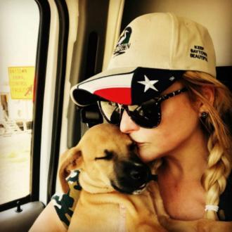 Miranda Lambert rescues pets stranded by hurricane