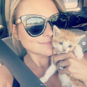 Pussy rescue: Miranda Lambert adopts abandoned kitten
