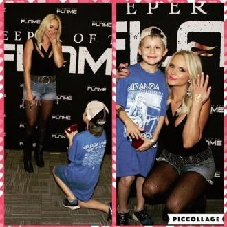 Miranda Lambert says 'yes' to fan proposal