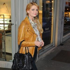 Mischa Barton Happy To Have Time Off