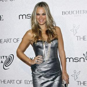 Molly Sims Pregnant With First Child