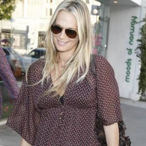 Molly Sims Gives Birth