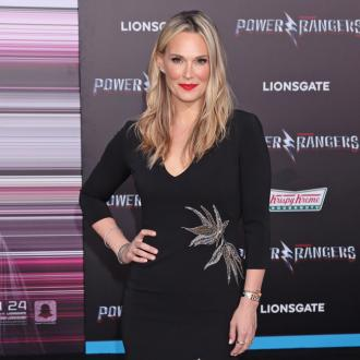 Molly Sims warns people about fashion industry