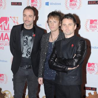Muse rock intimate War Child show