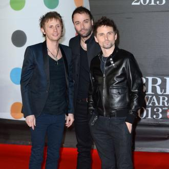Muse keep BRITs on computer