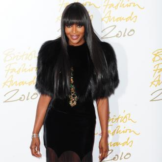 Naomi Campbell Washes Her Hair With Egg Mix