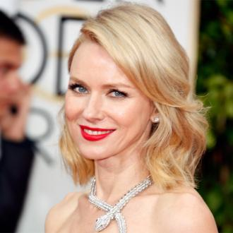 Naomi Watts' 'retro' Golden Globes hair