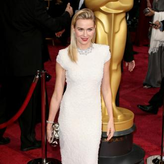 A-list Stars Fork Out For Costly Oscars Facial